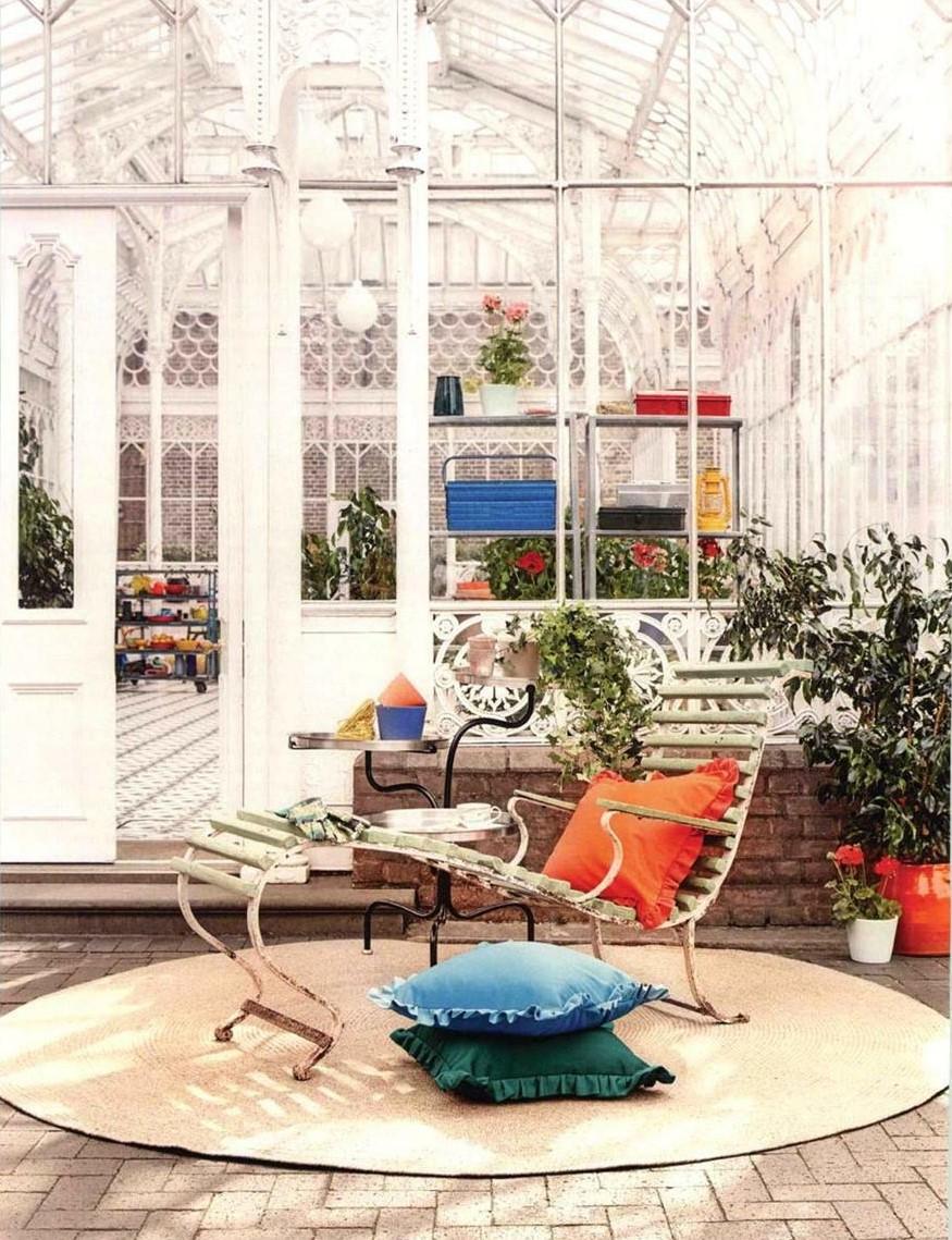 A Ligne Roset outdoor rug sets the foundation for the last days of summer in House & Garden, September