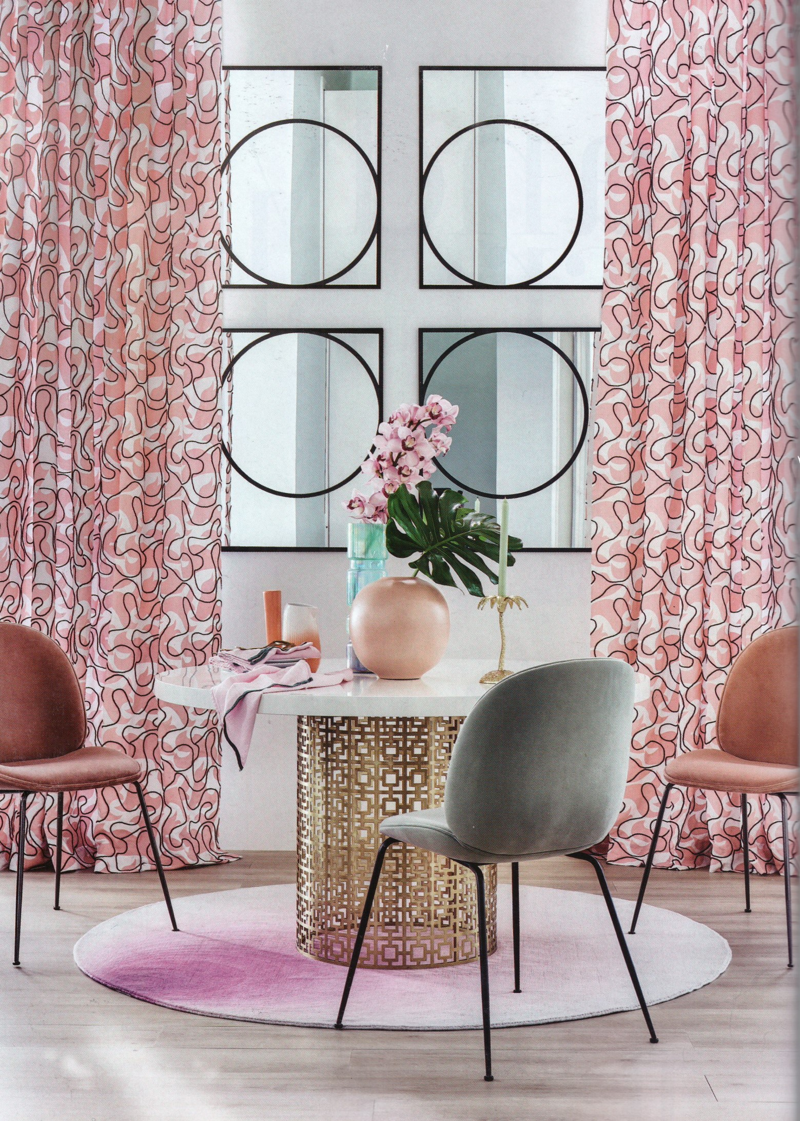 We've got a candy crush on Living etc's sorbet shoot, with Jonathan Adler's Nixon dining table taking centre stage